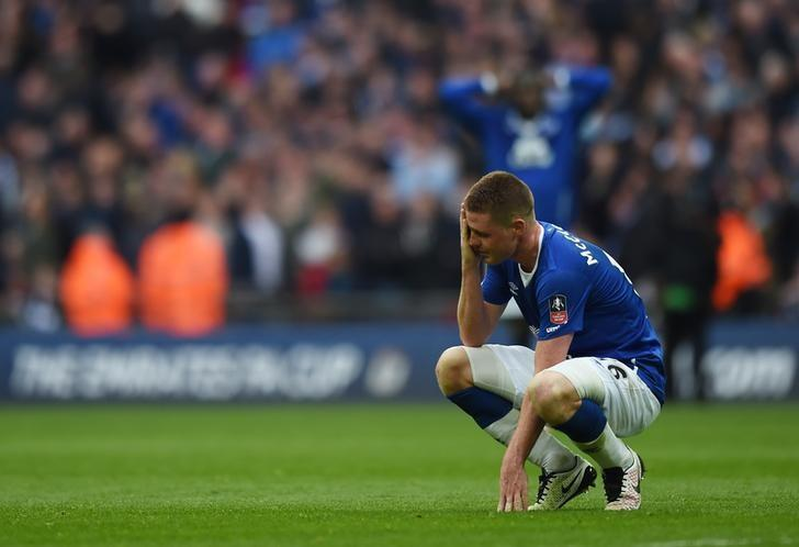 Football Soccer - Everton v Manchester United - FA Cup Semi Final - Wembley Stadium - 23/4/16Everton's James McCarthy looks dejected after Manchester United's second goalAction Images via Reuters / Andrew CouldridgeLivepic/Files