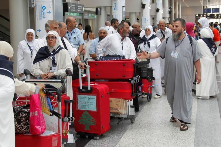 Haj pilgrims heading to Mecca queue at Beirut international airport, Lebanon September 5, 2016. REUTERS/Aziz Taher