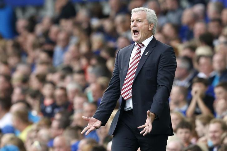 Football Soccer Britain - Everton v Stoke City - Premier League - Goodison Park - 27/8/16Stoke City manager Mark Hughes Action Images via Reuters / Ed SykesLivepic/Files