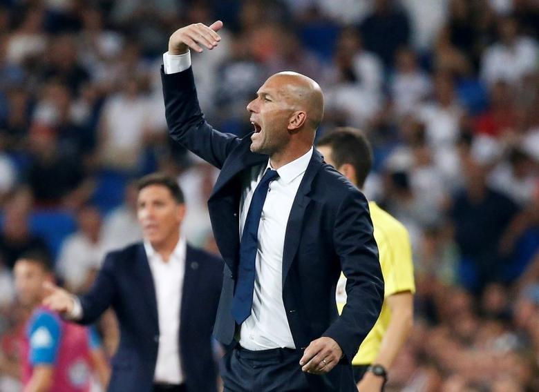 Football Soccer - Spanish Liga Santander - Real Madrid v Celta Vigo- Santiago Bernabeu, Madrid, Spain 27/08/16.  Real Madrid's coach Zinedine Zidane in action. REUTERS/Andrea Comas