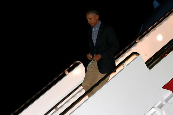 U.S. President Barack Obama arrives aboard Air Force One after a nine-day visit including stops at Midway Atoll, China and Laos travel, at Joint Base Andrews, Maryland, U.S. September 9, 2016. REUTERS/Jonathan Ernst