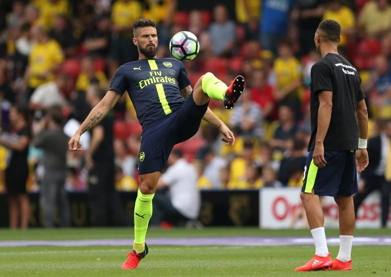 Football Soccer Britain - Watford v Arsenal - Premier League - Vicarage Road - 27/8/16Arsenal's Olivier Giroud warms up before the gameAction Images via Reuters / Andrew BoyersLivepicEDITORIAL USE ONLY. - RTX2N9D3