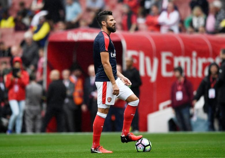 Britain Soccer Football - Arsenal v Southampton - Premier League - Emirates Stadium - 10/9/16Arsenal's Olivier Giroud warms up before the matchReuters / Dylan Martinez