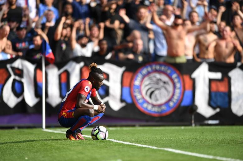 Football Soccer Britain - Crystal Palace v AFC Bournemouth - Premier League - Selhurst Park - 27/8/16Crystal Palace's Pape Souare Action Images via Reuters / Tony O'Brien. Livepic