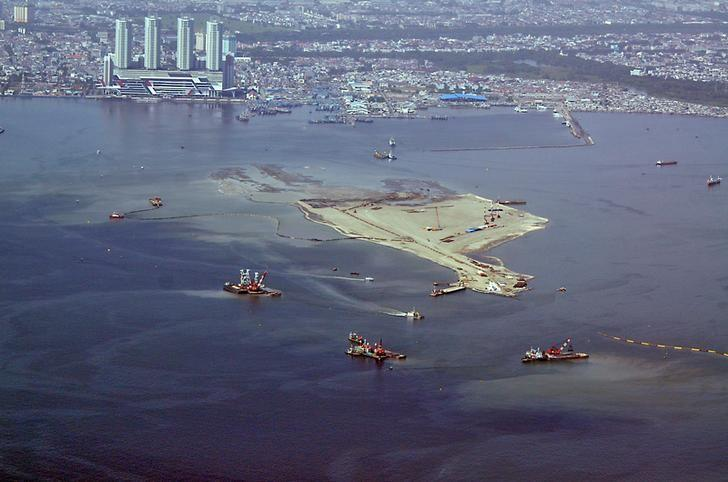 An aerial view of land reclamation in Jakarta Bay, Indonesia April 14, 2016 in this photo taken by Antara Foto. Antara Foto/Agus Suparto/ via REUTERS/File Photo