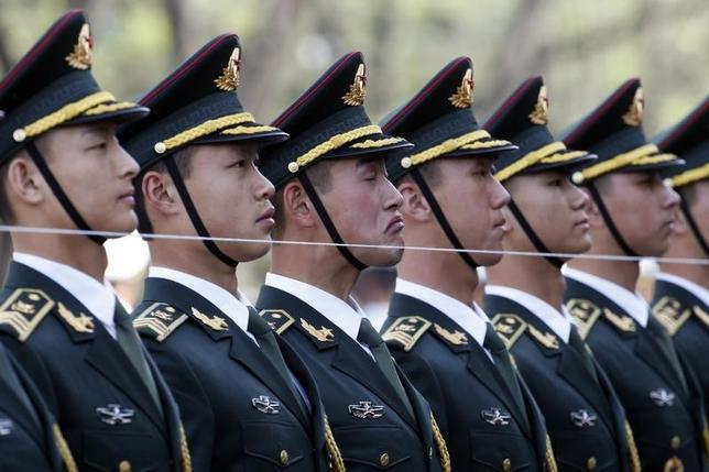 9月14日、中国人民解放軍は、大規模改革・近代化の一環として、新たに後方支援部隊を創設した。写真は北京で4月撮影(2016年 ロイター/Kim Kyung-Hoon)