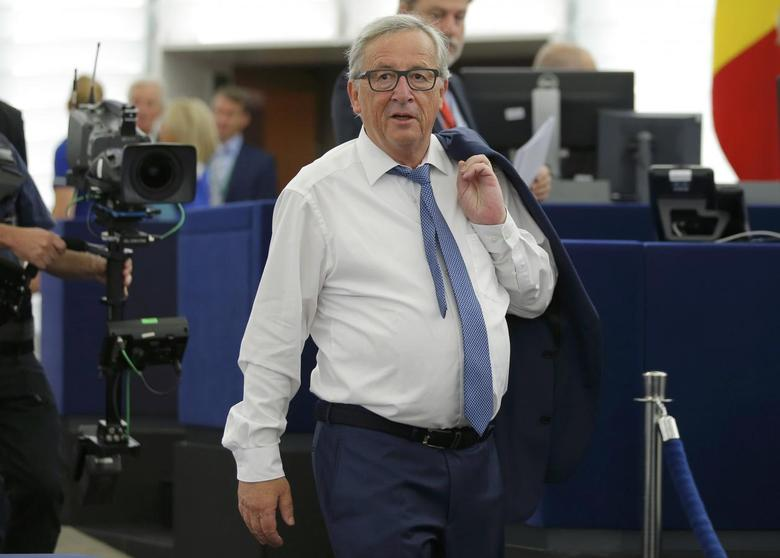 European Commission President Jean-Claude Juncker arrives to address the European Parliament during a debate on The State of the European Union in Strasbourg, France, September 14, 2016.   REUTERS/Vincent Kessler