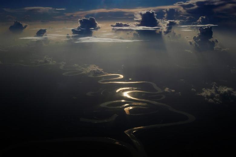 Aerial view of a river in Peru's Amazon region of Loreto, September 29, 2014. REUTERS/Enrique Castro-Mendivil