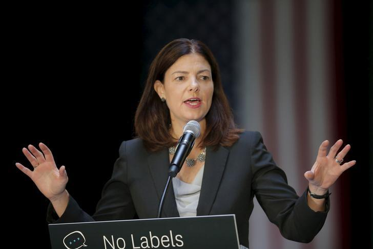 U.S. Senator Kelly Ayotte (R-NH) speaks at the No Labels Problem Solver Convention in Manchester, New Hampshire October 12, 2015.  REUTERS/Brian Snyder/Files