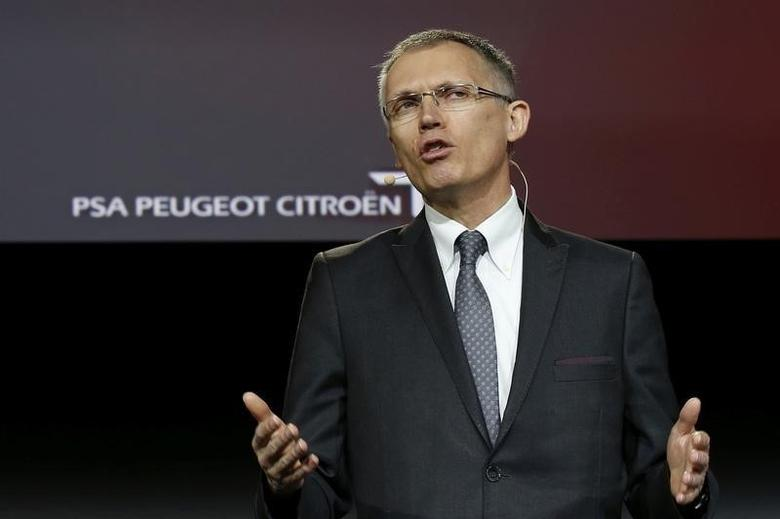 Carlos Tavares, Chairman of the Managing Board of French carmaker PSA Peugeot Citroen, speaks during the presentation of new vans at Peugeot Citroen PSA Sevelnord carmaker factory in Hordain, northern France, March 30, 2016.  REUTERS/Pascal Rossignol