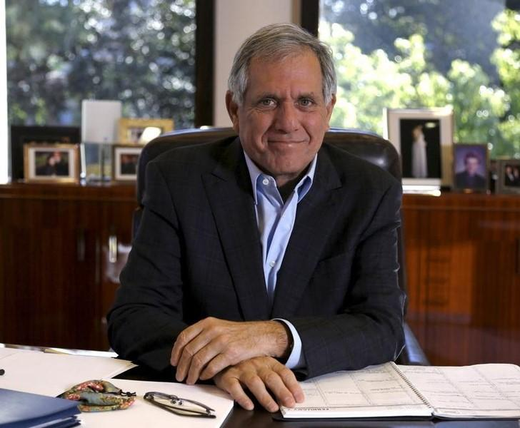 CBS Corporation President and Chief Executive Officer Leslie Moonves poses for a portrait in his office in Studio City, California in this February 1, 2016 file photo.  REUTERS/Mario Anzuoni/Files