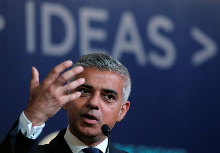 Mayor of London Sadiq Khan speaks at the Chicago Council on Global Affairs in Chicago, Illinois, U.S., September 15, 2016.    REUTERS/Jim Young