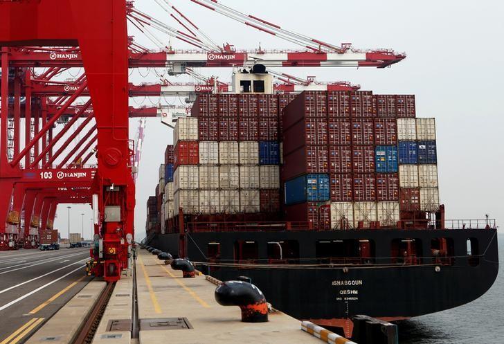 2016年9月7日,韩国仁川新港,韩进海运集装箱码头的起重机。REUTERS/Kim Hong-Ji/File Photo