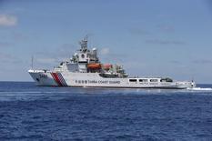 Navio da guarda costeira chinesa visto no Mar do Sul da China.      29/03/2014        REUTERS/Erik De Castro/Files