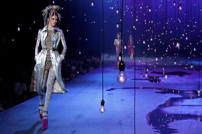 Marc Jacobs closes NYFW