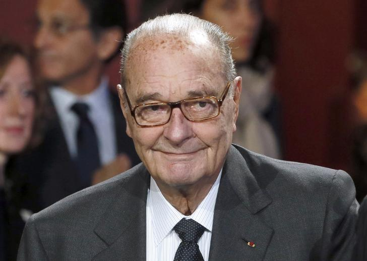 Former French President Jacques Chirac arrives to attend the award ceremony for the Prix de la Fondation Chirac at the Quai Branly Museum in Paris November 21, 2014.  REUTERS/Patrick Kovarik/Pool/Files