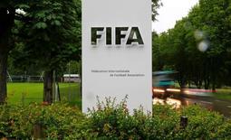 Logo da Fifa em sede da entidade, em Zurique. 8/6/2016. REUTERS/Arnd Wiegmann