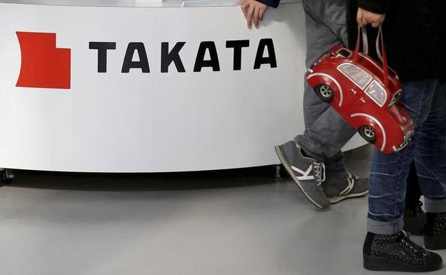 9月20日、東京株式市場では、相次ぐエアバック事故で経営悪化が懸念されているタカタ株が大幅安。再建スポンサーをめぐる前週末の一部報道が材料視されている。写真はタカタのロゴ、都内のショールームで2月撮影(2016年 ロイター/Toru Hanai)