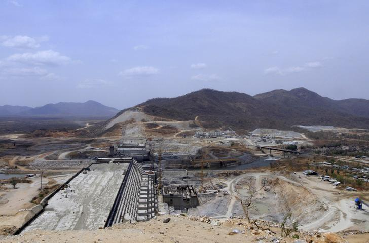 A general view of Ethiopia's Grand Renaissance Dam, as it undergoes construction, is seen during a media tour along the river Nile in Benishangul Gumuz Region, Guba Woreda, in Ethiopia March 31, 2015. REUTER/Tiksa Negeri/File Photo