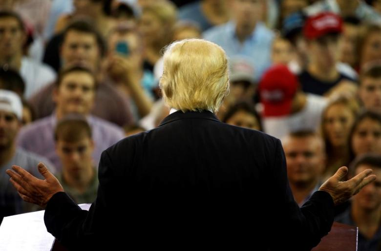 Republican presidential nominee Donald Trump holds a rally with supporters at High Point University in High Point, North Carolina, U.S. September 20, 2016. REUTERS/Jonathan Ernst
