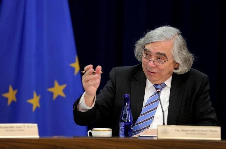 U.S. Secretary of Energy Ernest Moniz  in Washington, U.S., May 4, 2016. REUTERS/Joshua Roberts