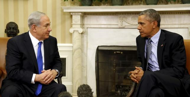 U.S. President Barack Obama meets with Israeli Prime Minister Benjamin Netanyahu in the Oval office of the White House in Washington November 9, 2015.  REUTERS/Kevin Lamarque