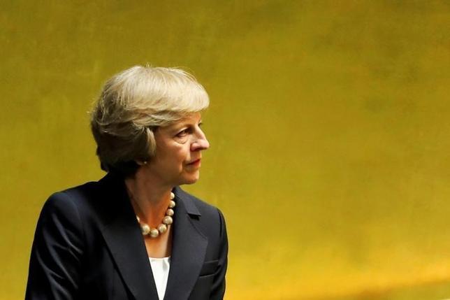 9月20日、英国のメイ首相は、初の国連演説を行い、欧州連合離脱は決まったが、英国が世界に背を向けることはないと強調した。米国ニューヨーク州・マンハッタン第71回国連総会で撮影(2016年 ロイター/Eduardo Munoz)