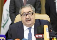 Министр финансов Ирака Хошияр Зибари на пресс-конференции в Багдаде 12 июля 2015 года. Парламент Ирака в среду отправил в отставку министра финансов страны Хошияра Зибари из-за обвинений в коррупции, что грозит дальнейшей дестабилизацией хрупкой экономики одного из ведущих нефтепроизводителей ОПЕК, столкнувшегося с масштабным дефицитом бюджета.  REUTERS/Khalid al-Mousily/File Photo