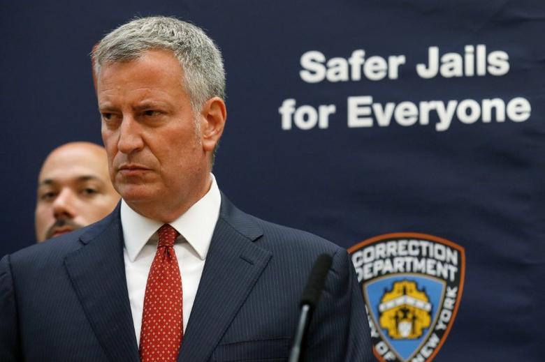 New York Mayor Bill de Blasio speaks during a news conference at Rikers Island jail in New York City, U.S. September 1, 2016.  REUTERS/Brendan McDermid
