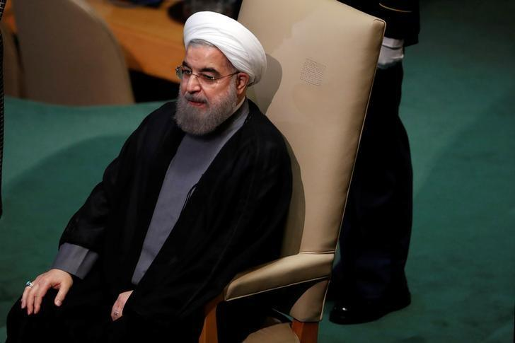 Iranian President Hassan Rouhani waits to address the United Nations General Assembly in the Manhattan borough of New York, U.S., September 22, 2016. REUTERS/Lucas Jackson