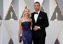 Atores Naomi Watts e Liev Schreiber em evento do Oscar.  28/2/2016.  REUTERS/Lucy Nicholson