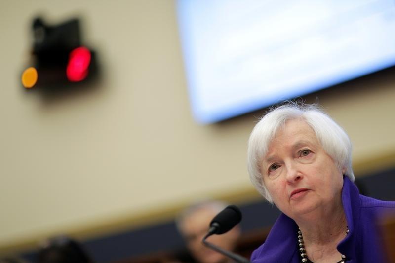 美联储的耶伦表示持有一项银行业务规则,即资本附加费