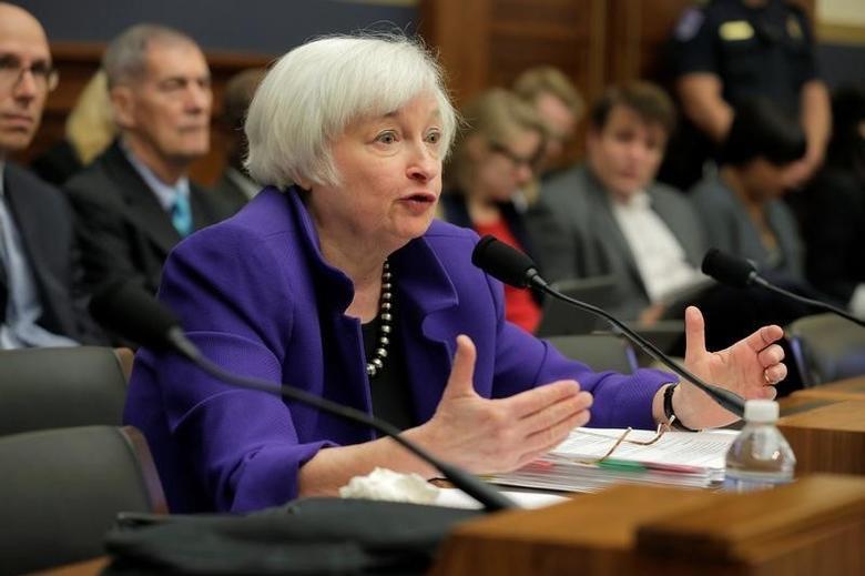 2016年9月28日,美联储主席叶伦周三出席众议院金融服务委员会听证会。REUTERS/Joshua Roberts