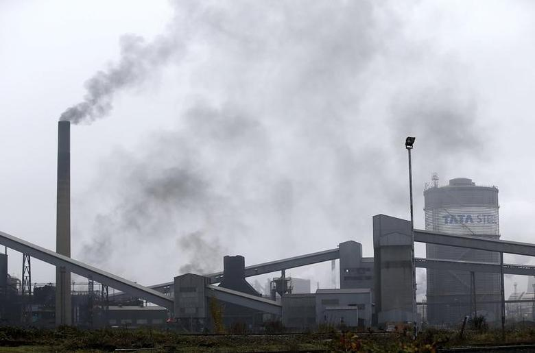 A general view shows the Tata Steel works in Scunthorpe, northern England, in this file photograph dated October 27, 2015.   REUTERS/Andrew Yates/files
