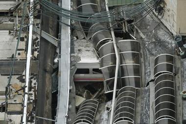 NY郊外でラッシュ時に列車衝突、少なくとも1人死亡 100人超負傷