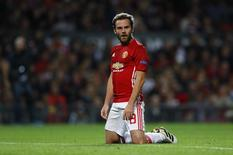 Juan Mata durante partida do Manchester United pela Liga Europa.   29/09/2016 Action Images via Reuters / Jason Cairnduff Livepic