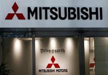 Mitsubishi Motors va reprendre le 1er octobre la commercialisation au Japon de huit modèles dont la vente était suspendue, après avoir corrigé la sous-estimation de leur consommation de carburant. /Photo prise le 2 août 2016/REUTERS/Kim Kyung-Hoon