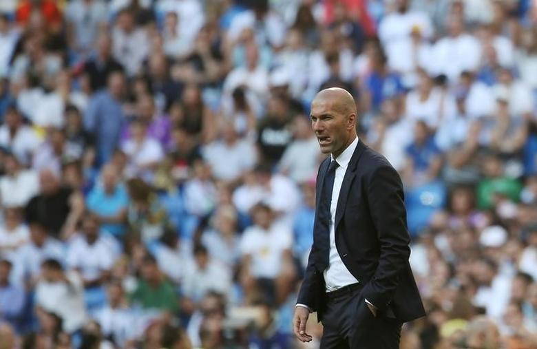 Football Soccer - Spanish Liga Santander - Real Madrid v Eibar- Santiago Bernabeu, Madrid, Spain - 2/10/16 Real Madrid's coach Zinedine Zidane reacts. REUTERS/Susana Vera