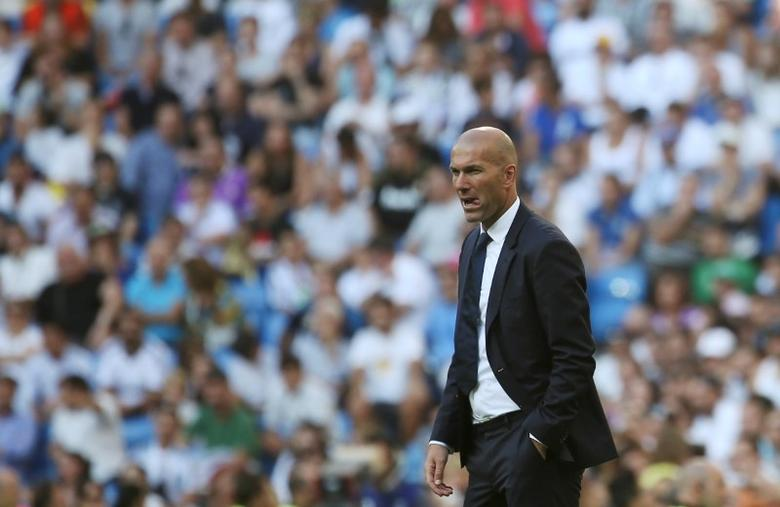 Football Soccer - Spanish Liga Santander - Real Madrid v Eibar- Santiago Bernabeu, Madrid, Spain - 2/10/16 Real Madrid's coach Zinedine Zidane reacts. REUTERS/Susana Vera