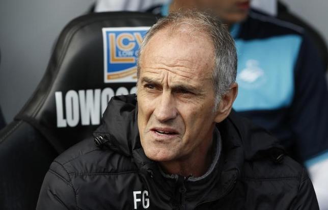 10月3日、サッカーのイングランド・プレミアリーグ、スウォンジーは、フランチェスコ・グイドリン監督の解任を発表した。スウォンジーで1日撮影(2016年 ロイター)
