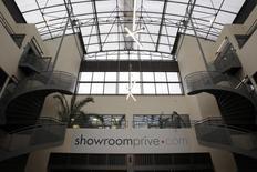 Showroomprivé a racheté le site italien de déstockage Saldi Privati auprès du groupe de e-commerce Banzai pour 28 millions d'euros. /Photo prise le 1er mars 2016/REUTERS/Christophe Ena/Pool