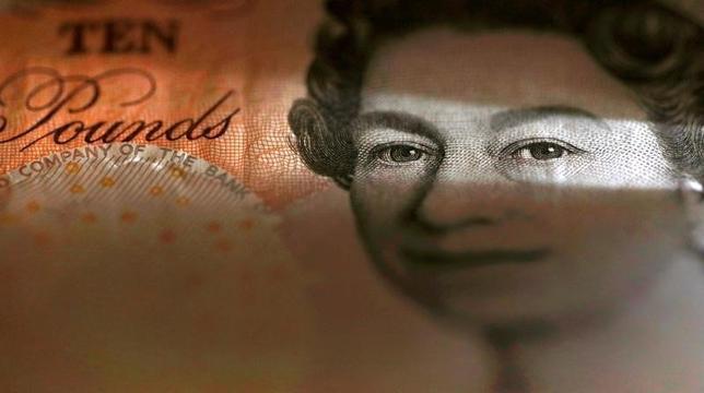 10月4日、欧州外国為替市場で、英ポンドが対ドルで下落し、31年ぶり安値を付けた。英国の欧州連合(EU)離脱の影響に対する懸念が背景。写真はマンチェスターで3月撮影(2016年 ロイター/Phil Noble)
