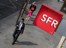 """SFR Group, à suivre mercredi à la Bourse de Paris. L'Autorité des marchés financiers a infligé mardi un revers à Altice en bloquant son projet de rachat du solde du capital de sa filiale SFR, une décision rare jugée """"incompréhensible"""" par le directeur général du groupe européen de télécoms et de médias. /Photo prise le 8 août 2016/REUTERS/Philippe Wojazer"""