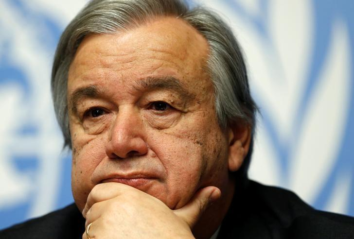Antonio Guterres pauses during a news conference for the launch of the Global Humanitarian Appeal 2016 at the United Nations European headquarters in Geneva, Switzerland December 7, 2015. REUTERS/Denis Balibouse/Files