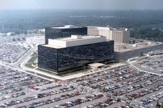 Siège de la NSA, à Fort Meade, dans l'Etat du Maryland. Le FBI a arrêté un salarié d'une entreprise travaillant pour la National Security Administration (NSA), l'accusant d'avoir volé des informations secrètes. Le Bureau fédéral tente de déterminer si le suspect est lié à la fuite récente d'outils de piratage utilisés par Washington pour pénétrer des réseaux adverses, russes et chinois, rapportent des responsables. /Photo d'archives/REUTERS/NSA