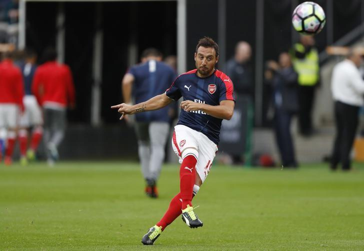 Football Soccer Britain - Hull City v Arsenal - Premier League - The Kingston Communications Stadium - 17/9/16Arsenal's Santi Cazorla warms up before the match Reuters / Russell Cheyne/ Livepic/Files
