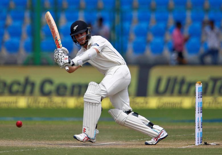 Cricket - India v New Zealand - First Test cricket match - Green Park Stadium, Kanpur, India - 23/09/2016. New Zealand's Kane Williamson plays a shot.  REUTERS/Danish Siddiqui