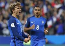 Griezmann comemora gol da França contra a Bulgária.  7/10/16.     REUTERS/Philippe Wojazer