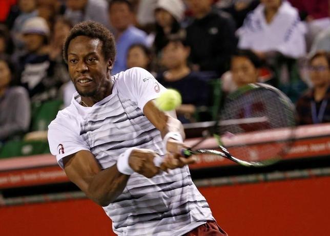 10月7日、男子テニスの楽天ジャパン・オープン、シングルス準々決勝で、第2シードのガエル・モンフィス(写真)はイボ・カルロビッチを7─6、7─6で下して4強入りした(2016年 ロイター/Kim Kyung-Hoon)