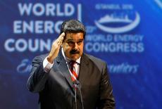 El presidente venezolano Nicolás Maduro da un discurso durante el Congreso Mundial de Energía en Estambul, Turquía, 10 de octubre de 2016. Los precios del petróleo a nivel mundial tienen que ser más justos y más realistas para fomentar la inversión y los miembros de la OPEP deben llegar a un acuerdo para estabilizar el mercado, dijo el lunes el presidente de Venezuela, Nicolás Maduro, en un congreso de energía. REUTERS/Murad Sezer